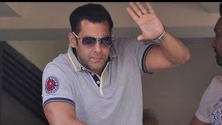 Salman Khan Met His Crazy Fans On His Birthday! [HD]