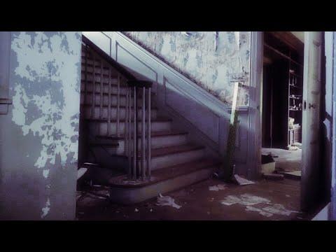 Abandoned Mini-Mansion Hidden in Plain Sight North Carolina