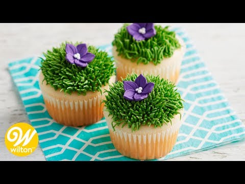 How to Use a Grass Tip for Making Buttercream Grass and Fur | Wilton