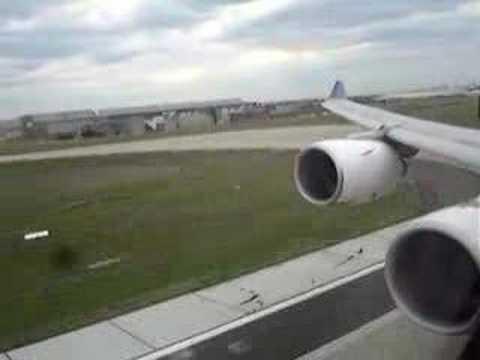Thai Airways Airbus A340-600 Landing at Melbourne Australia