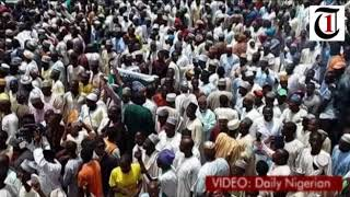 Large crowd in Sokoto tell Tambuwal to join PDP