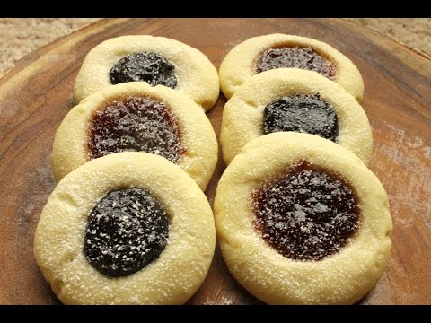 Jam Thumbprint cookies that melt in your mouth (Sweedish)