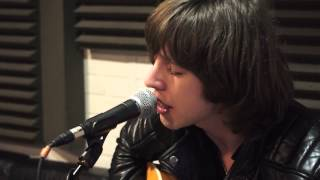 Catfish & The Bottlemen - Laid (James Cover) - Session Acoustique OÜI FM
