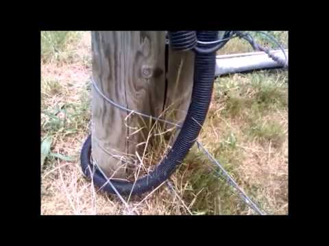 How to connect electric fence across gate