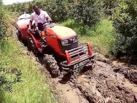 B2741 Tractor Of Kubota 27 HP In Very Good Drive In Water