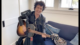 Billie Joe Armstrong performs a raw, uncensored, at-home version of Green Day's 'Graffitia'!