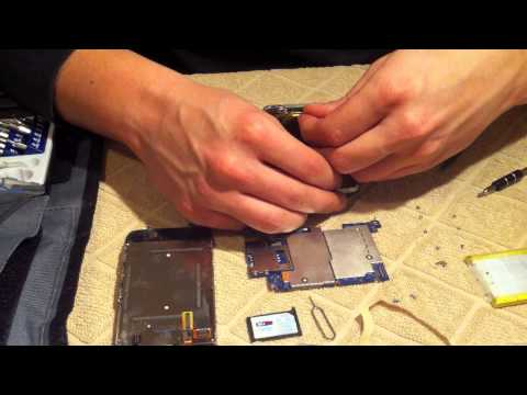 MacLife.gr - Replace iPhone's 3Gs battery (greek)