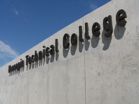 2-year colleges see enrollment boost