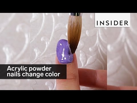 These acrylic powder nails change colors