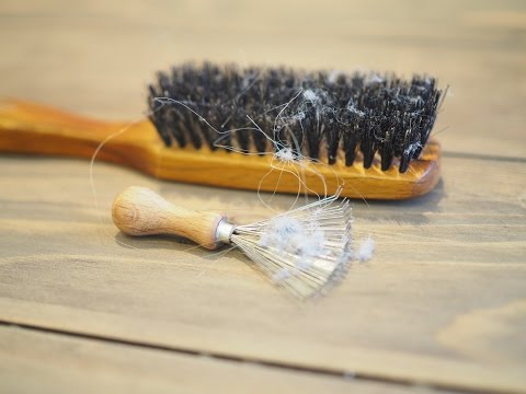 How to clean your hair brush quick and easy?