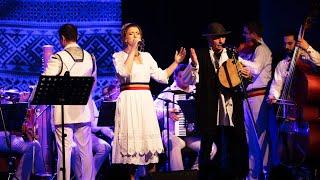 Download Lavinia Goste si Grigore Lese   (LIVE)