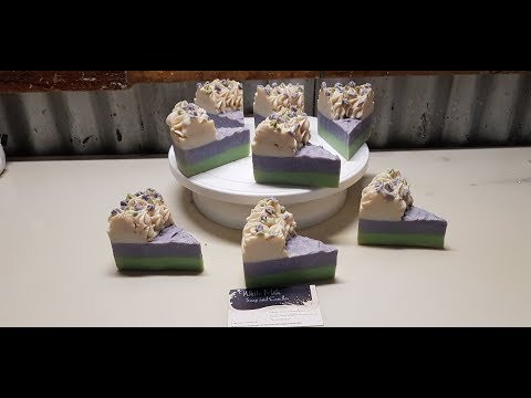 Making a cake of soap, Lavender and Spearmint