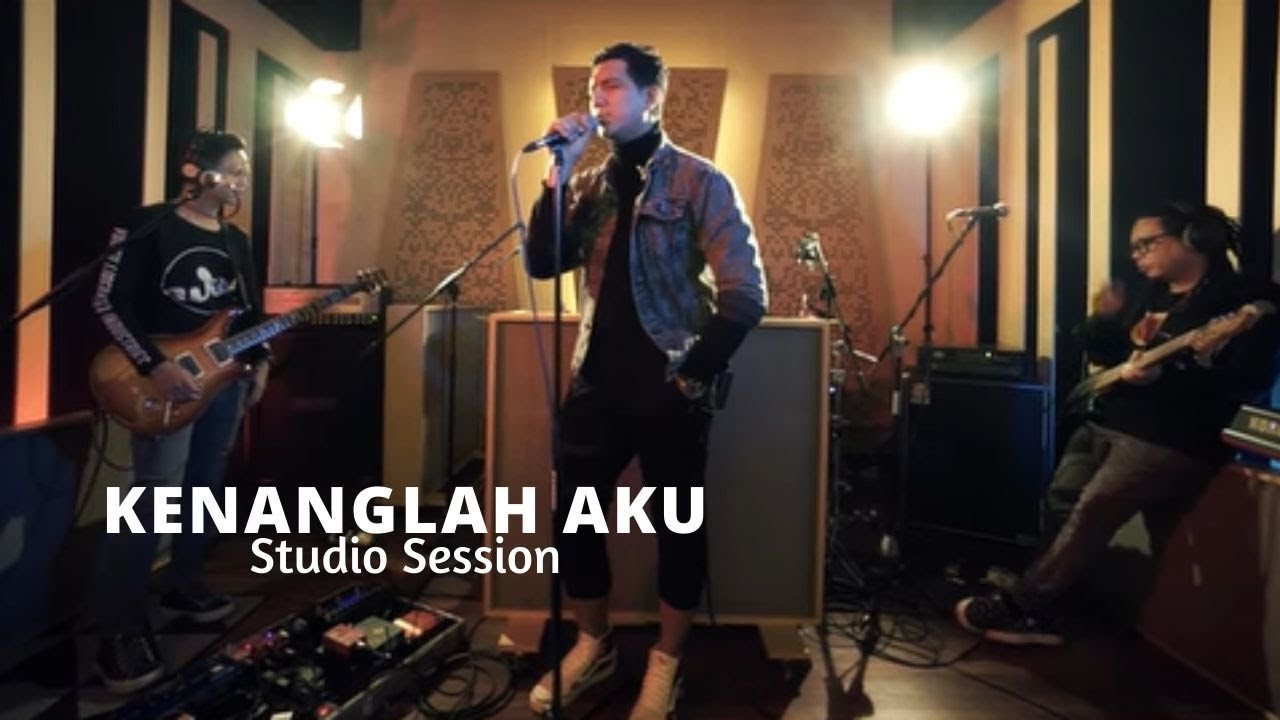 Download NAFF - Kenanglah Aku ( Studio Session ) MP3 Gratis