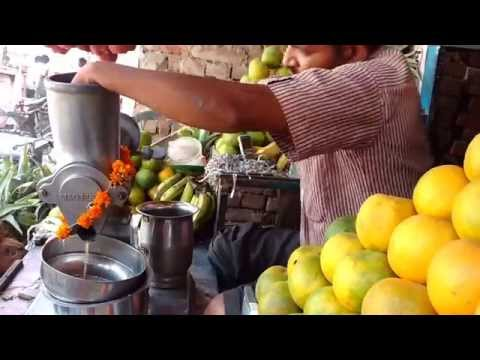 How to juice oranges with hand juicer