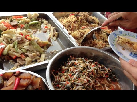 Lunch foods 5,000riel per person at the same place, but different taste