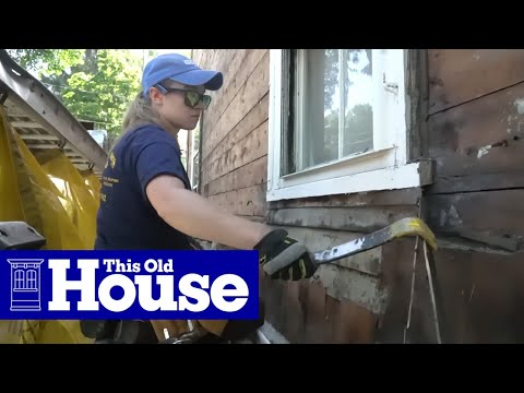 Newton Generation NEXT House: Apprentices Learn to Remove Siding
