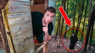 24 HOUR ABANDONED TREEHOUSE CHALLENGE! Escaping Hacker, Spies or Worse?