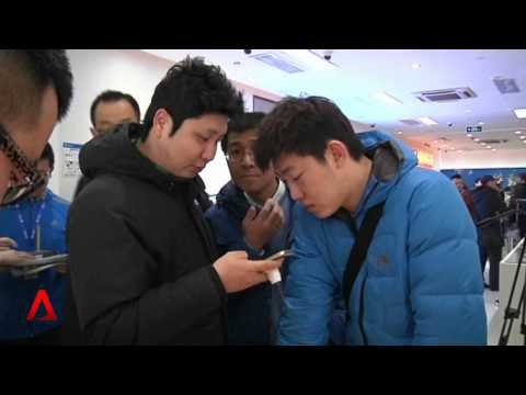 CHINA: Biggest mobile firm launches Apple iPhone sales