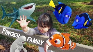 The Finger Family Song with Dory