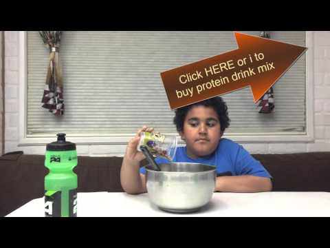 Tresen makes easy Reece's mug cake recipe with herbalife protein drink mix
