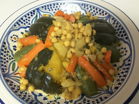 Moroccan couscous with vegetables and chicken - كيفية تحضير الكسكس المغربي