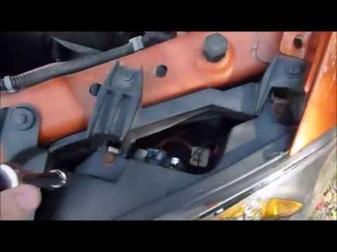 How To: Change Headlight Bulbs 2005-2010 Chevrolet Cobalt