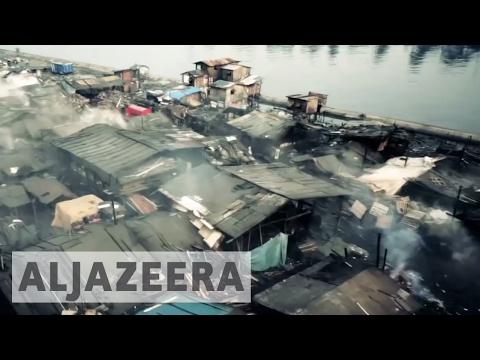 Tondo: Manila's largest slum - The space in between