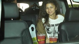 "Zendaya Rocking a ""Free The Nipple"" T-shirt For Air Travel"