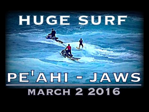 Huge Surf at Pe'ahi, Jaws