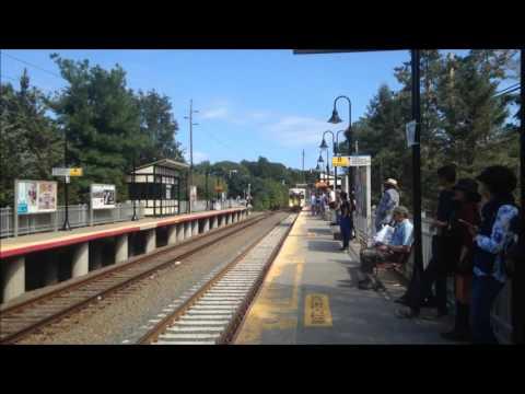 LIRR Port Jefferson Shuttle Train to Huntington Arrives at Stony Brook
