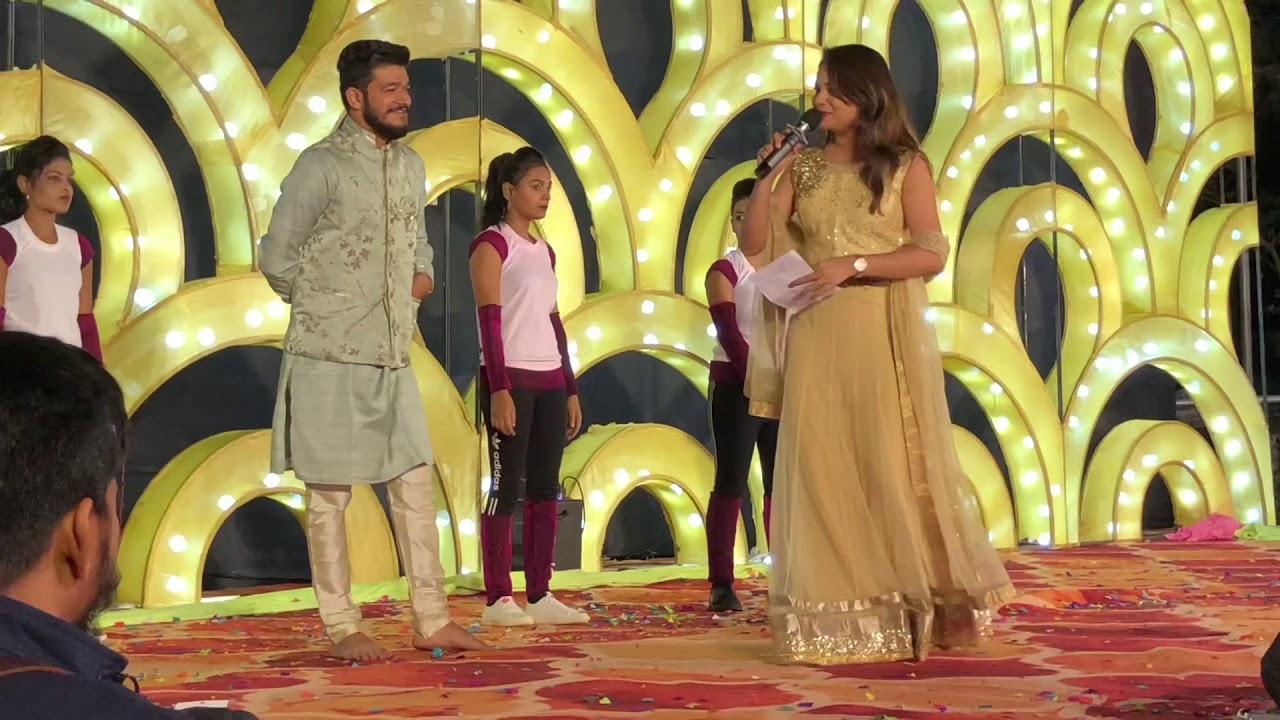 Anchor Mayuri Malandkar Hosting Sangeet Sandhya ForMantri Family and Goyal Family