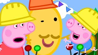 Peppa Pig Official Channel | Peppa Pig and George Pig Play on the Sand Digger Rides