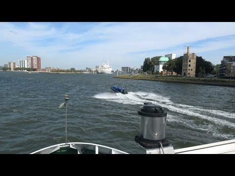 Boat Cruise Through Rotterdam, Netherlands (4K UHD)