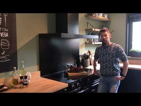 Zelf sambal maken doe je zo. Homemade Sambal Badjak | FODK