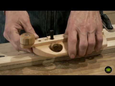 Long Based Hand Router Plane Demonstration - Woodworking