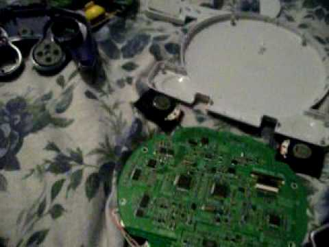 Big T's How to make a gamecube portable part 4/2