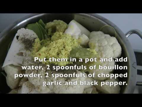 Creamy leek and cauliflower soup