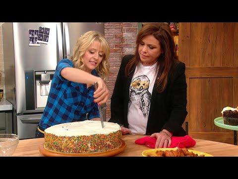 You're Cutting Cake Wrong | Rachael Ray Show