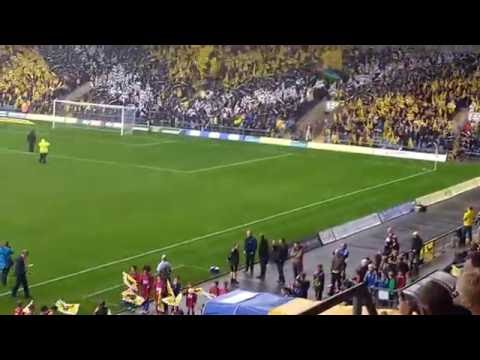 Oxford United v Swindon Town Sept 2016 - five minutes to kick off