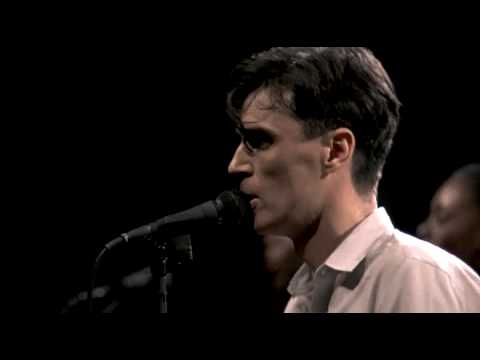 Talking Heads - Life during wartime LIVE - Stop making sense 1984 HQ