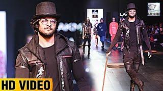 Ali Fazal Looks Handsome At Lakme Fashion Week 2017   Lehren TV