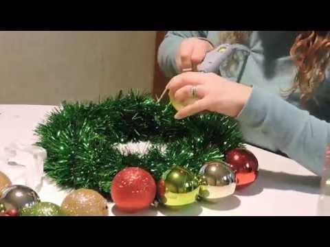 Easy Christmas Ornament Wreath