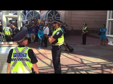 Indian cricket team leaving hotel for indvpak game in Adelaide wc2015