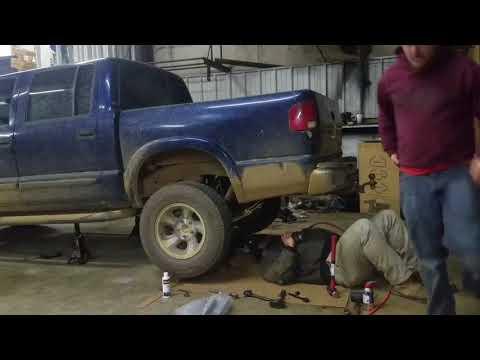 2002 Chevy S10 Crew Cab Lift Kit Install