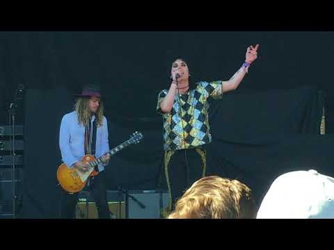 The Struts at Cal Jam 17 10-07-2017 First 2 songs
