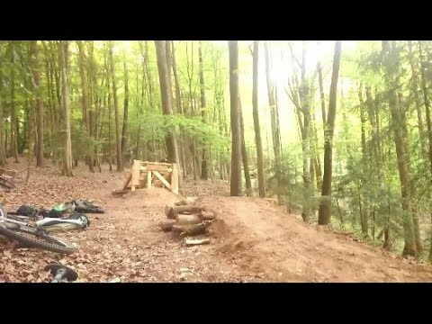 Downhill Jump/Double build on Hometrail