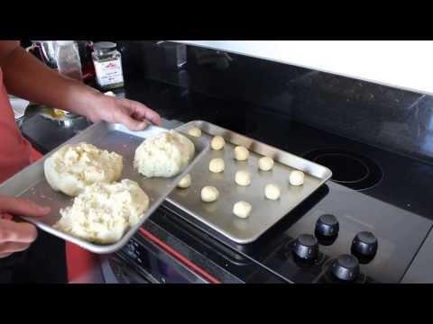 How to make Pão de Queijo / Brazilian cheese bread