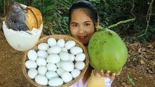 Awesome Cooking Boiled Balut Duck Eggs With Coconut Water Cook Recipe - Eating Show No Talking