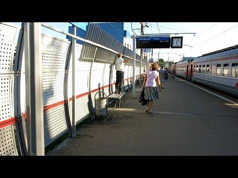 ED4M-235 EMU departs Pushkino station, Moscow oblast
