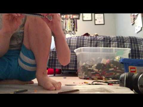 How to make a Lego large folding knife